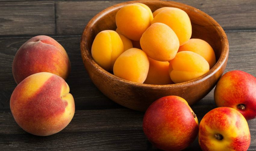 piersici caise și nectarine